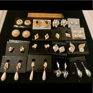 16 prs vintage earrings faux pearls rhinestones